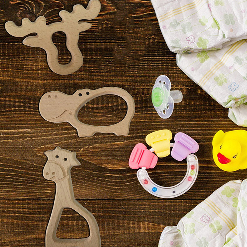 Hot Sale Natural Wood Teether Cartoon Animal Shape Wooden Baby Teether Toy Safe Newborn Kids Teething Toys Baby Shower Rattle