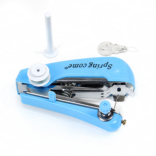 1 Pz Utile Needlework Cordless Mini Tenuto in Mano Portatile Abbigliamento Tessuti Per Cucire Strumenti