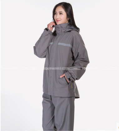 High-end Raincoats Women Men Cycling Waterproof Rain Coat Pants Suits Cycling  clothes set impermeable camping capa de chuva 24af382d5f