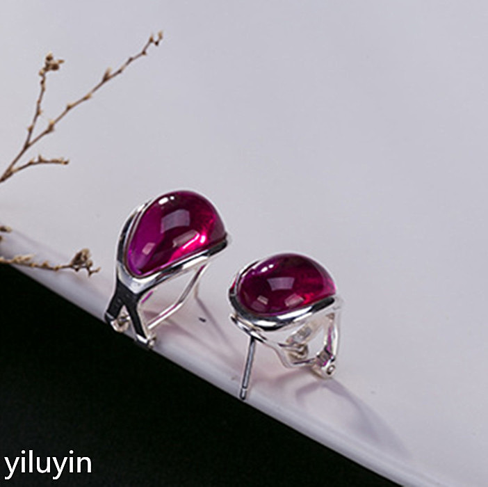 Thai red corundum Earring S925 sterling silver square style wholesale exquisite atmosphere ear buckle female models s925 pure silver personality female models new beeswax