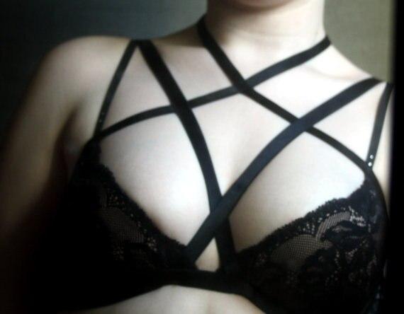 Spedizione gratuita Vampira harness top, nero cage bra, lingerie