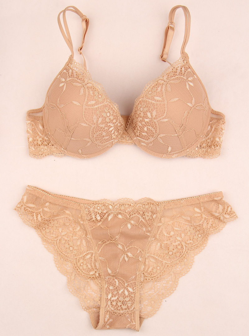 a83faae67 High grade fine women bra and panty all match set sexy lace bra set comfort  breathable seamless push up bra set-in Bra   Brief Sets from Underwear ...