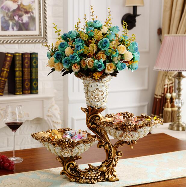The vase is decorated with a European living room arrangement of flower vase for the design of antique furniture table decoratioThe vase is decorated with a European living room arrangement of flower vase for the design of antique furniture table decoratio