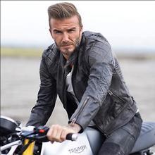 送料無料。ブランド新スタイルモーター革ジャケット、メンズ本革コート。プラスサイズ黒スリムジャケット。牛革。安い
