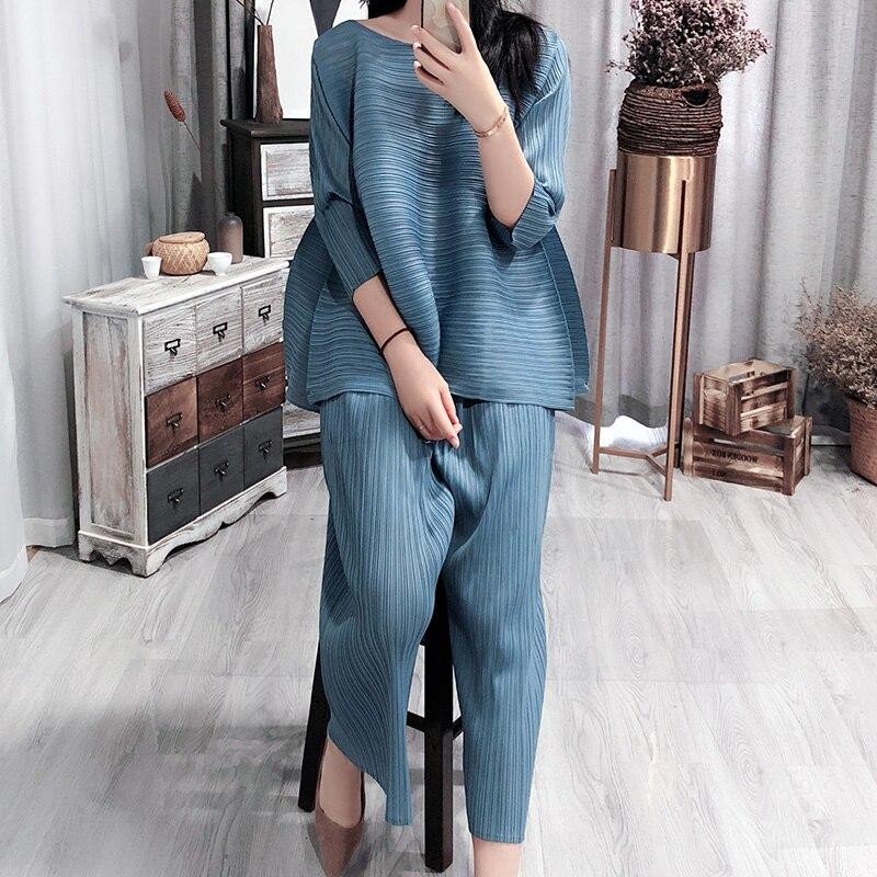 Kadın Giyim'ten Kadın Setleri'de SuperAen 2019 Yaz Yeni kadın Setleri Gevşek Artı Boyutu Üstleri Kadın Avrupa Moda Rahat Vahşi Pantolon Iki Adet Kadın'da  Grup 2