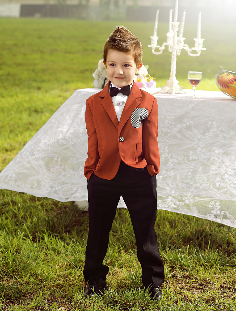Four Pieces Luxurious Coffee color formal boys suits Ring Bearer Suits kids Tuxedo With Black Bow