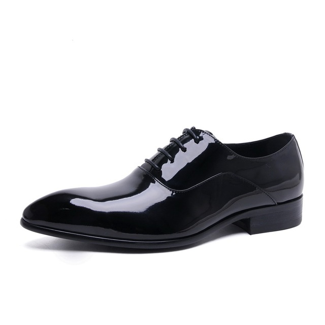 2017 New Men Spring/Autumn Genuine Leather Lace-Up Pointed Toe Oxfords  Men Casual Flat Patent Leather Oxford Shoes For Men