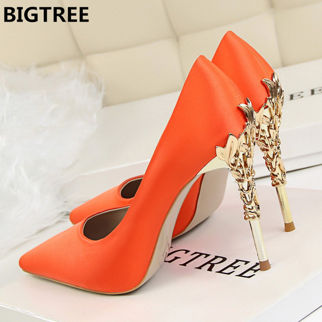 2018 Women pumps Sexy Pointed toe Luxury Metal high heels shoes woman Spring Summer Women party wedding shoes High heels Zapatos