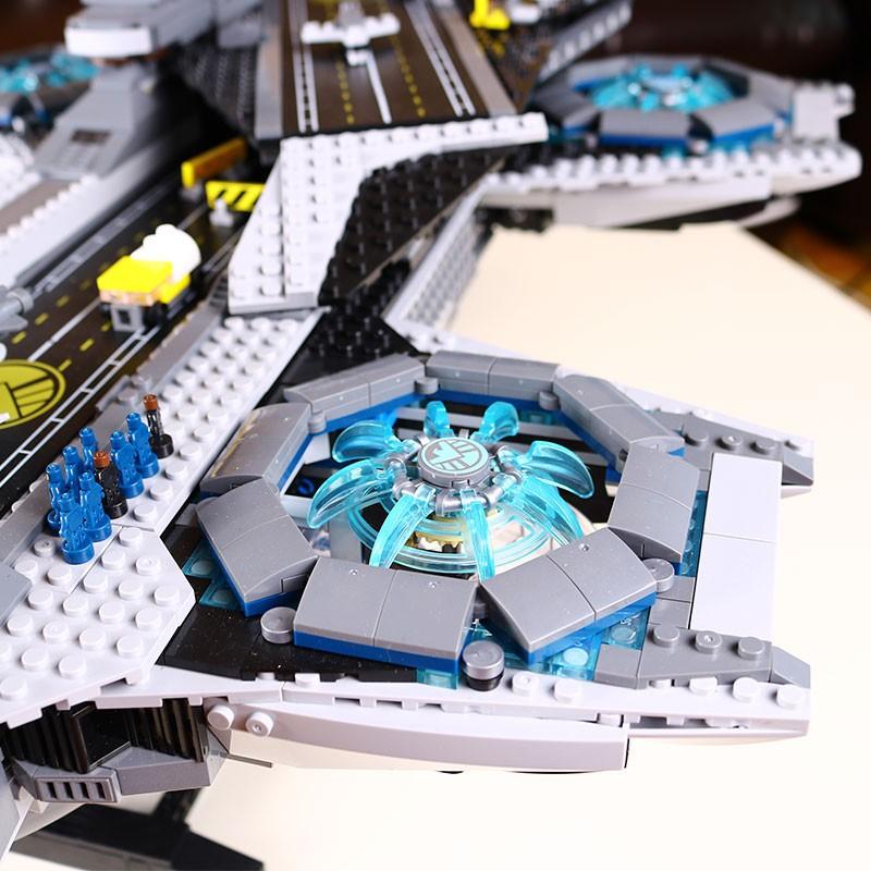 3057pcs-LEPIN-07043-Super-Heroes-The-SHIELD-Helicarrier-Model-Building-Kits-Minifigure-Blocks-Bricks-Toys-brinquedos (1)