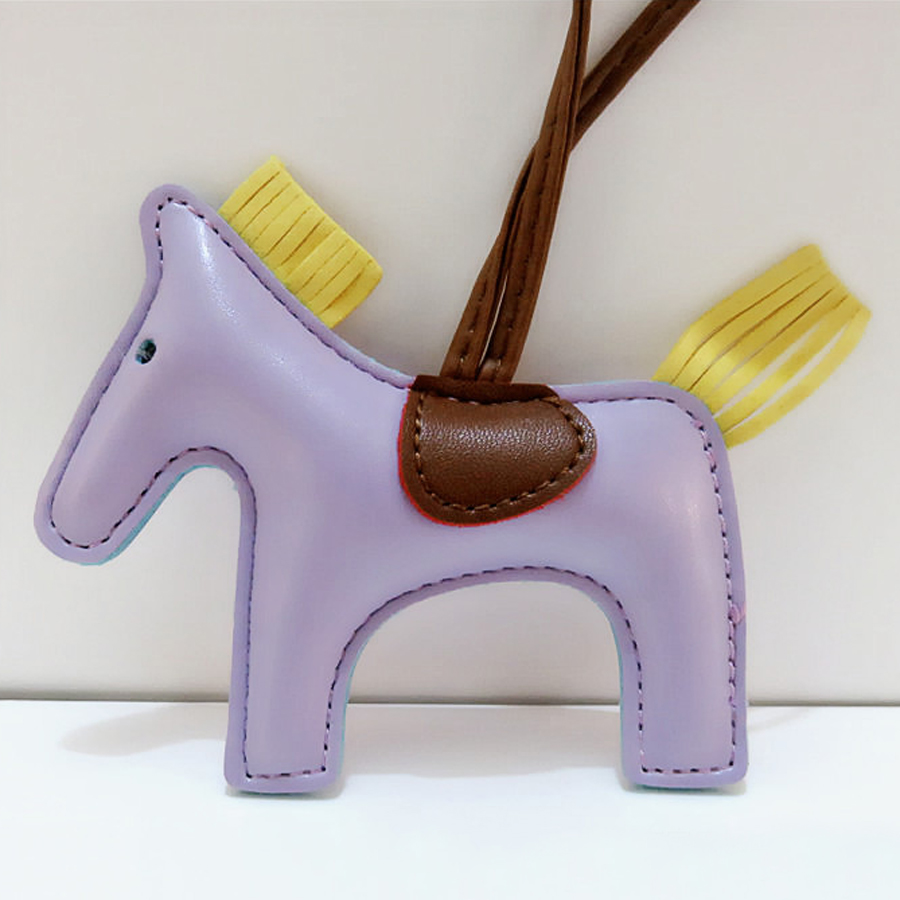 Fashion Famous Brand Luxury Handmade PU Leather Horse Car Keychain Animal Key Chain Women Bag Charm Pendant Accessories R247