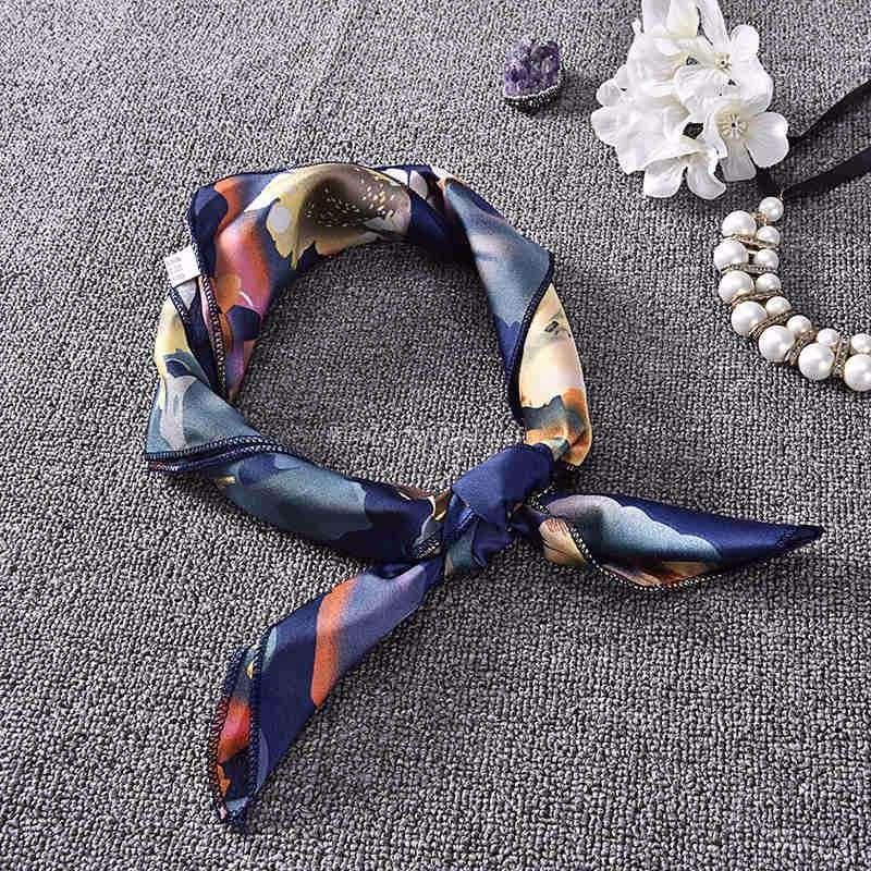 6fde5d78681a Automne Hiver Écharpe Imprimé floral Femmes Soie Écharpe 70 70 cm Bandana  Hijab Écharpe Carré Écharpe Pour Femmes Bandeau