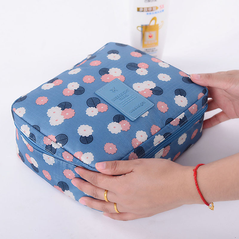 Fashion Travel Nylon Beauty Makeup Bags Water-proof Cosmetics Bags Bathroom Organizer Of Women Portable Bath Washing Up Bag(China)