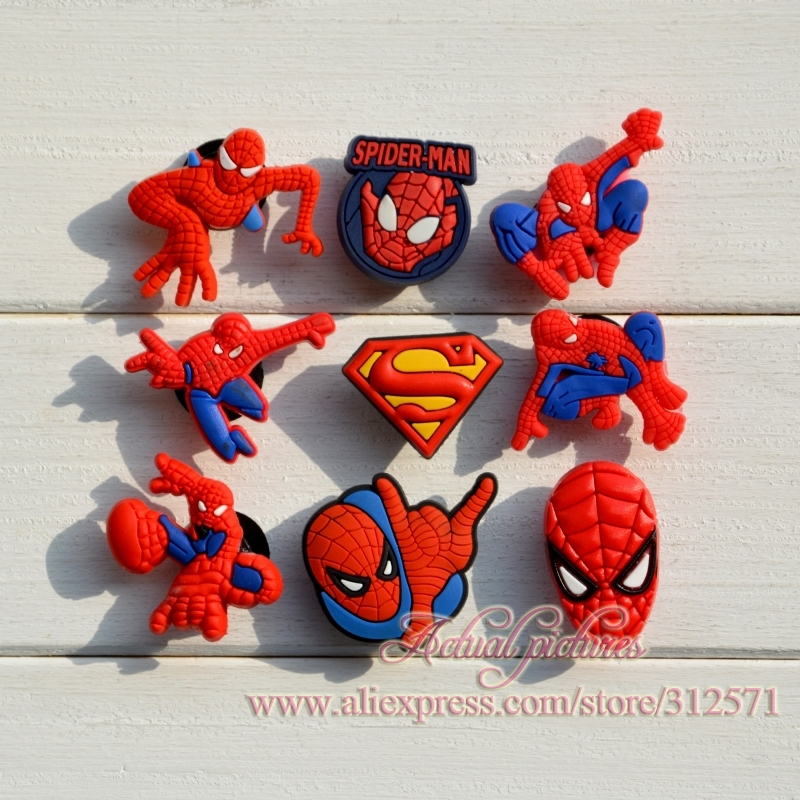 все цены на Hot sale !!! 100pcs/lot fashion Spider Man PVC shoe charms best gift for kid в интернете
