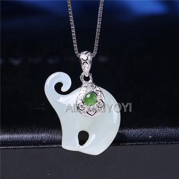 Beautiful Real 925 Silver White Green HeTian Jade Carved Cute Elephant Lucky Pendant Free Necklace Fine