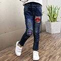 2016 Estilo de Outono Inverno Meninas Dos Miúdos Das Crianças Jeans Rasgados Moda Elástico Na Cintura Reta Calças Jeans Calças de Brim