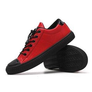 Image 3 - YTracyGold/Модная Мужская Повседневная обувь; кроссовки из искусственной кожи; Мужская Вулканизированная обувь на плоской подошве; Уличная обувь; Zapatos De Hombre; Цвет Черный; Zapatillas