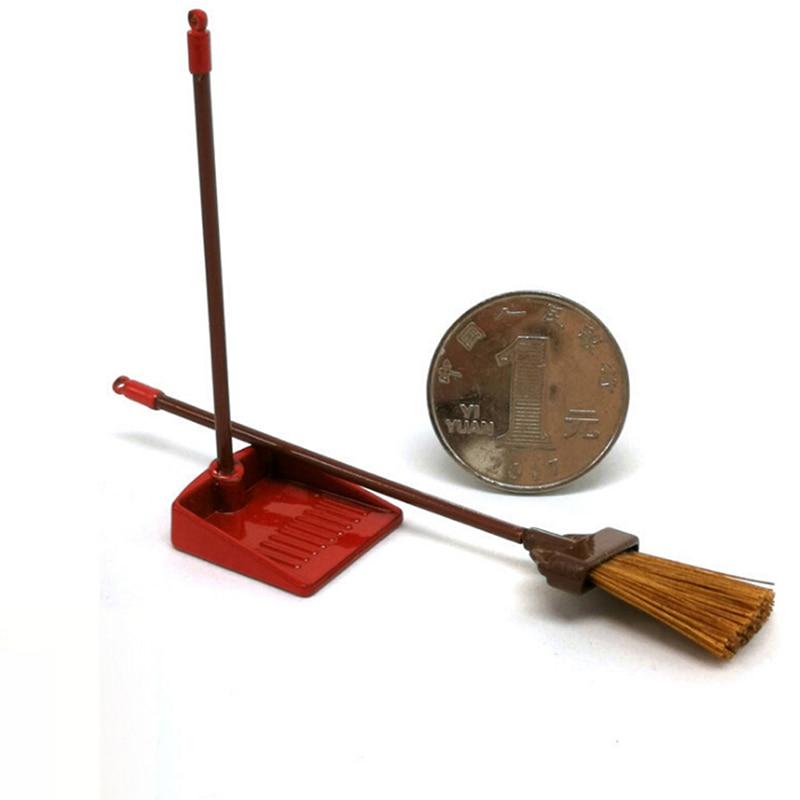 2pcs/set Dollhouse Cleaning Tool Kits 1:12 Doll House Miniature Broom Dustpan Set Classic Toys Pretend Play Furniture Toys