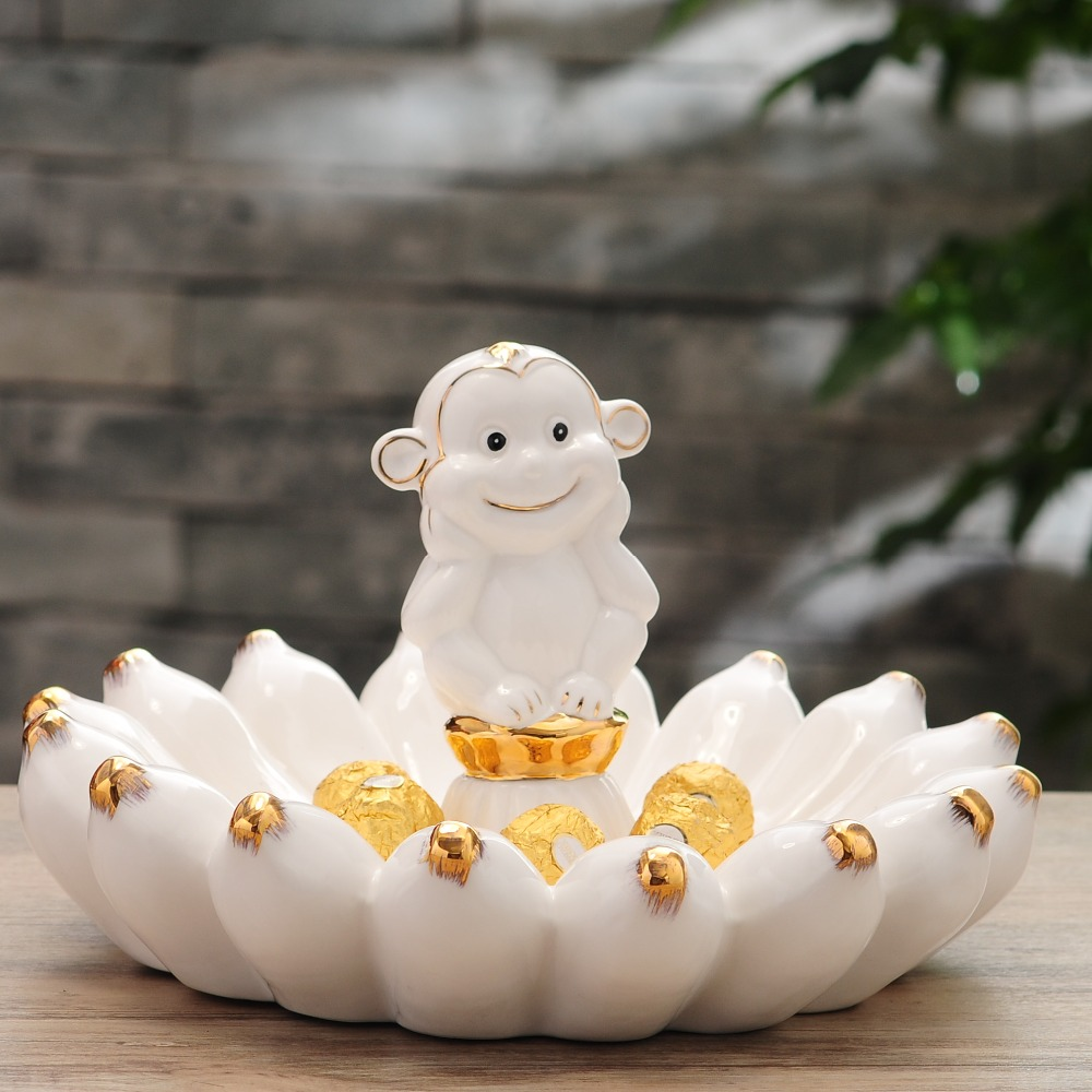 White ceramic plates for crafts - Porcelain Monkey Figurine Fruits Plate Decorative Ceramics Banana Candy Tray Novelty Birthday Tableware Ornament Gift And
