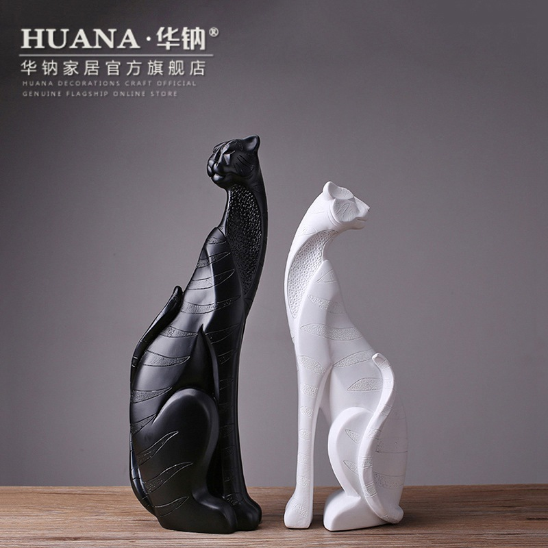 The New Black And White Cat Modern Animal Lovers Home Furnishing Resin Handicrafts Factory Decoration
