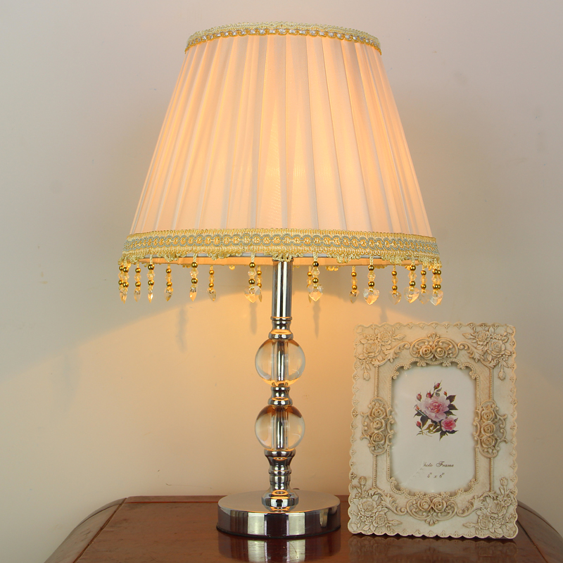 ФОТО European simple LED study bedroom bedside lamp crystal fashion creative decorative table lamp dimming