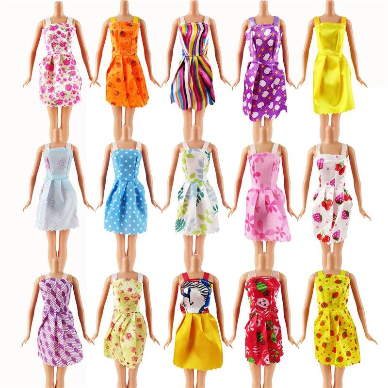aleatorio-12-pcs-mixed-tipos-barbie-boneca-roupas-da-moda-bonito-boneca-artesanal-festa-vestido-para-barbie-dolls-presente-da-menina-do-miudo-brinquedo