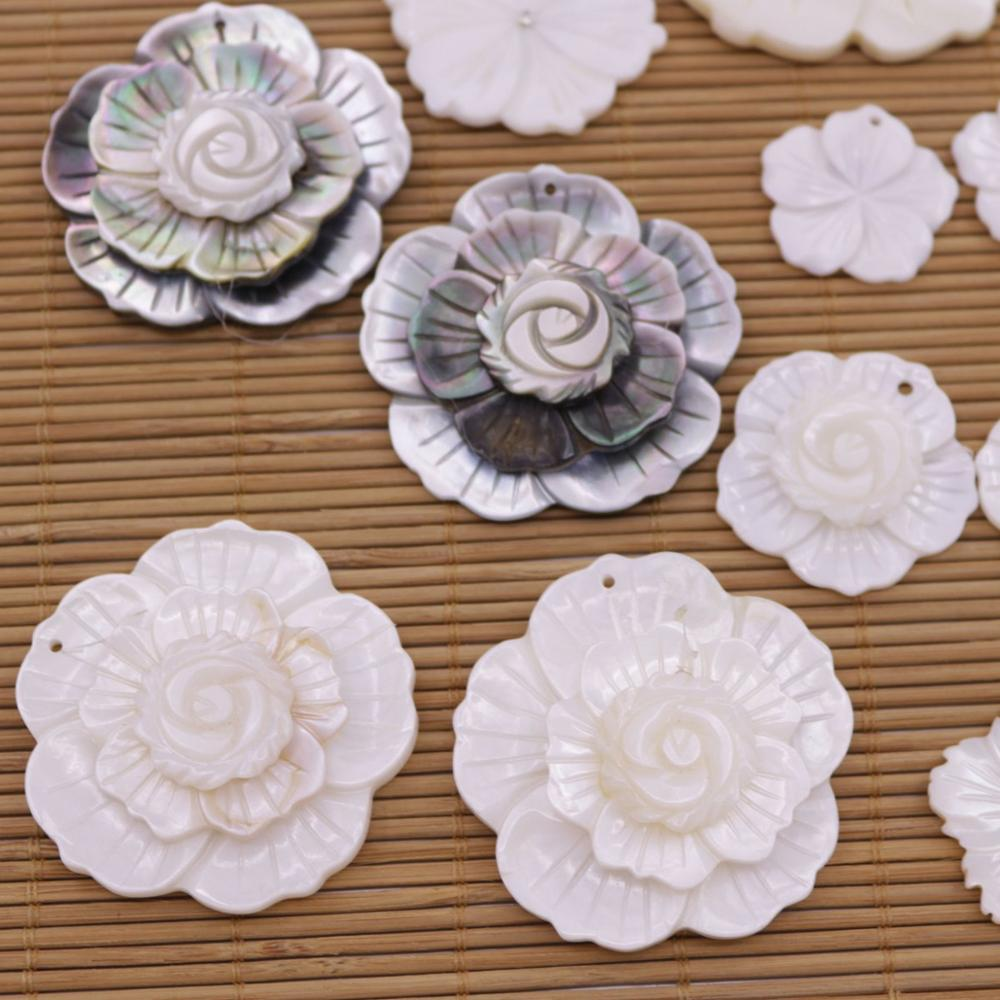 Купить с кэшбэком 2PCS Flower Shell Pendant Natural Mother of Pearl Jewelry Beauty 25-45mm Choose
