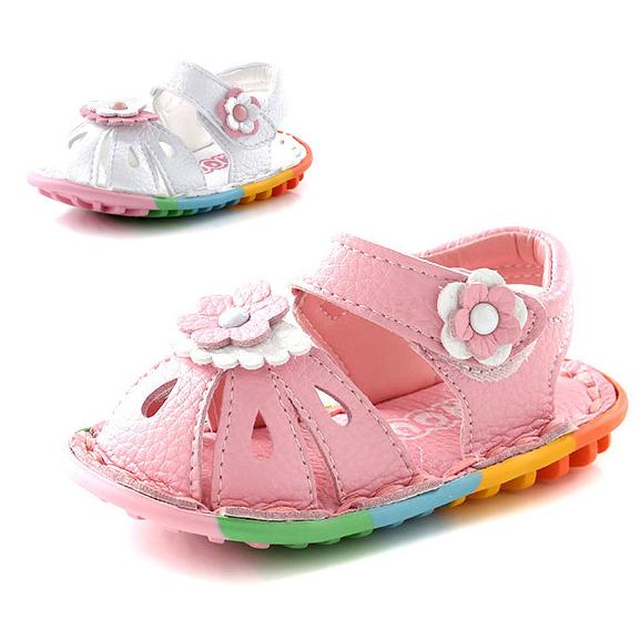 Flor de moda bebé bebé de la princesa zapatos del cuero genuino del dedo del pie cerrado del verano del bebé muchachas del niño primeros caminante