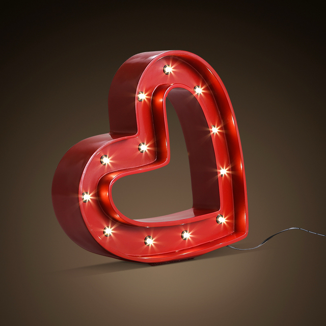 Loft Wind Red Love Table Lamps Restaurant Bar Clothing Decoration Led Resin Iron Wedding Light Za82538