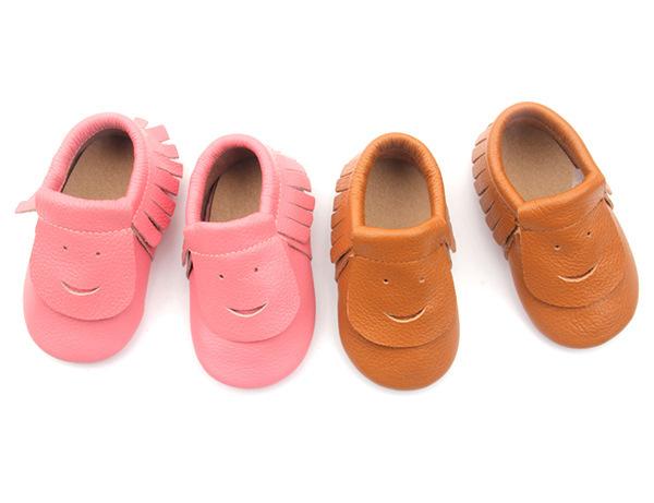 Comercio al por mayor 30 par/lote Nueva Sonrisa Linda del bebé mocasines de cuero genuino zapatos de suela suave infantil Del Bebé zapatos de bebé Recién Nacido