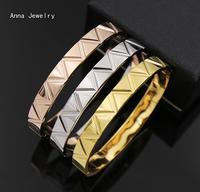 New Fashion Designer Welle Stil Armreif, Präzision Edelstahl Material in 3 Gold Farben, Eine Fröhliche Armreif für Frauen