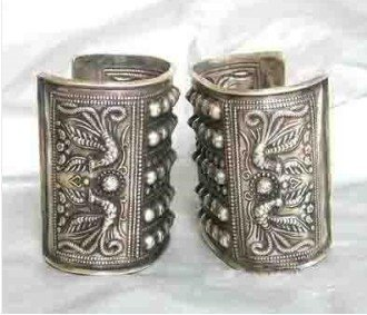 Asian China Handcrafted Superb Jewelry flower carved phoenix tibetan miao silver two bracelet Bangle shipping fast