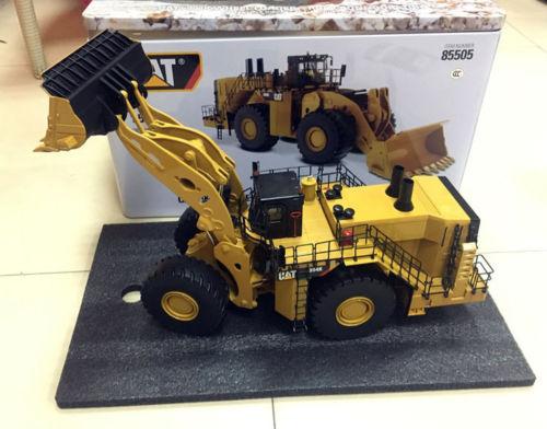 Caterpillar Cat 944K Wheel Loader Rock Configuration DieCast Masters 85505 caterpillar cat b25