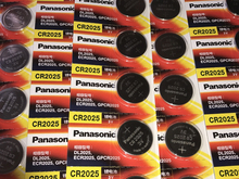 40PCS/LOT New Genuine Panasonic CR2025 2025 3V Button Cell Battery Coin Batteries For Watch Computer Free Shipping