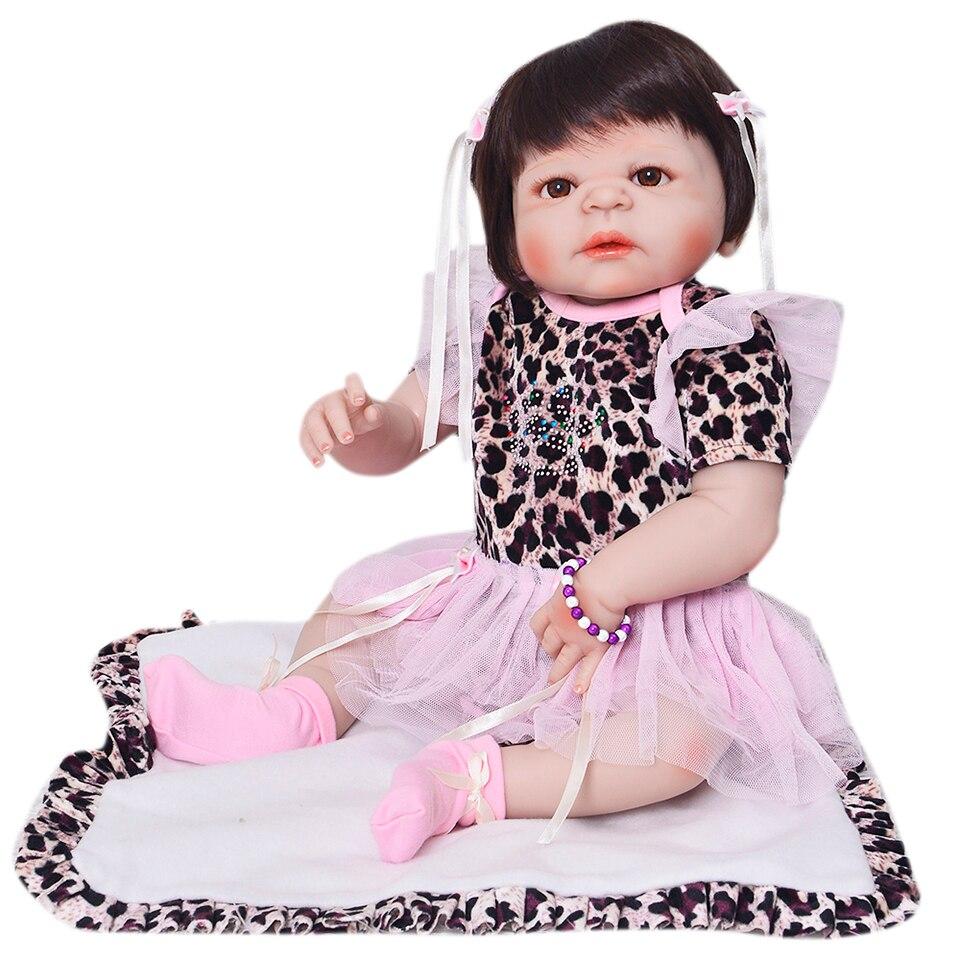 Mode 23 Pouces Poupée Reborn Complet Silicone Corps Bébé Réaliste Bébé modèle de fille Poupée avec Jupe Baigner Enfants Playmate cadeau d'anniversaire