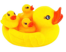 Cute Baby Bath Toys Rubber Race Squeaky Duck Big Yellow Duck Mother 3 pcs Duck Baby Classic Toys(China)