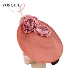 Очаровательный темно-персиковый большой Кентукки Дерби вуалетки шляпы дамы millinery головные уборы Свадебные гонки вечерние головные уборы SYF540