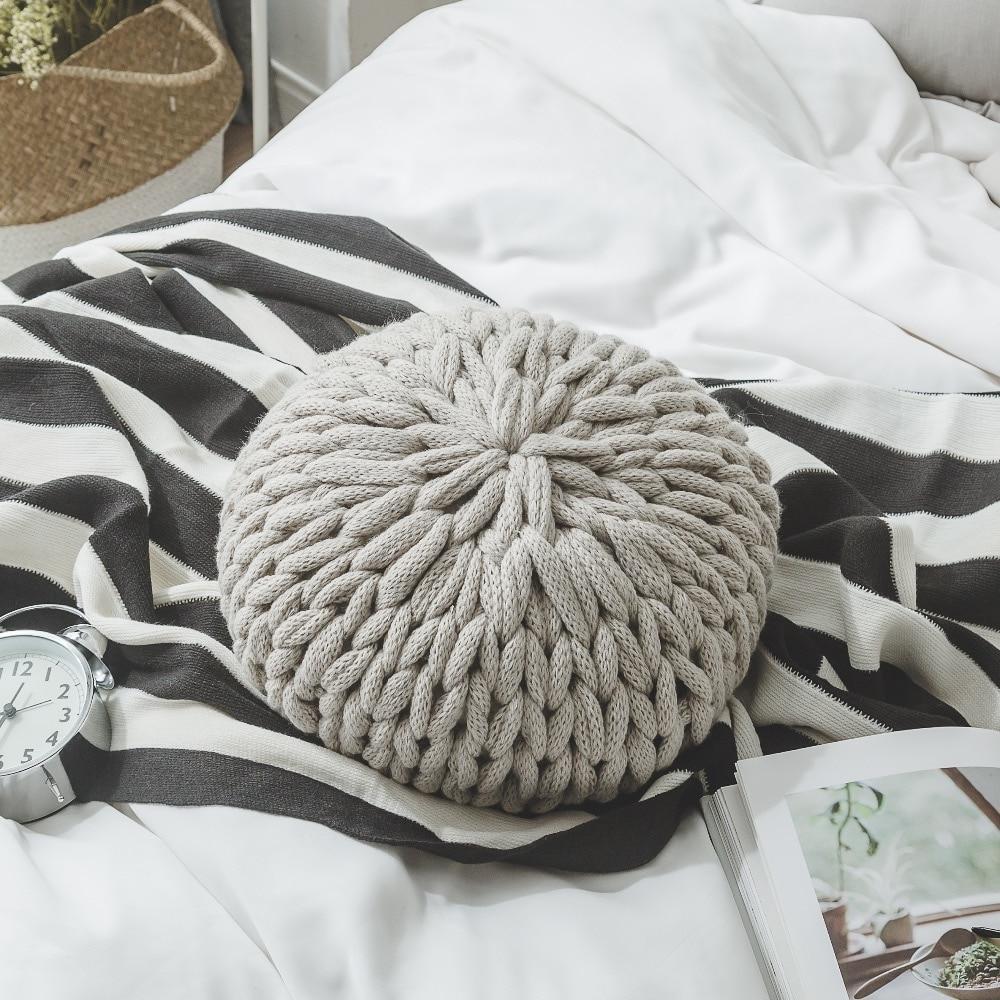 Soft Chunky Yarn Knit Round Sofa Pillow