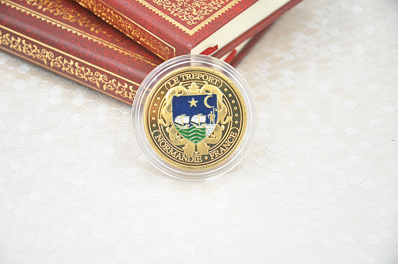Wholesale Normandie France Gold Plated Coin With Round Box USA Military Coins