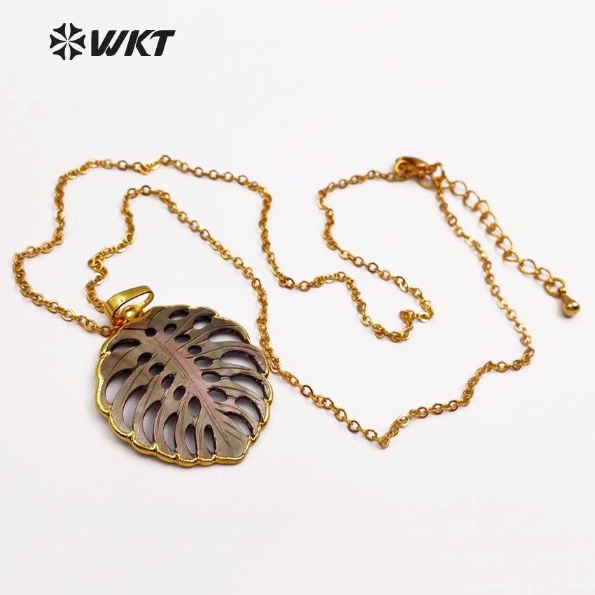 WT JN027 WKT commercio all'ingrosso collane di conchiglie naturale, forma di foglia di moda pendenti con catene di colore dell'oro dei monili delle donne regalo-in Collane con ciondolo da Gioielli e accessori su  Gruppo 3