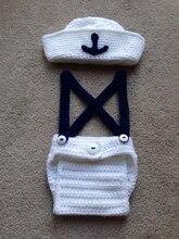 Livraison gratuite mignon crochet nouveau-né chapeau de marin avec des combinaisons assortis bébé définit des accessoires de photographie 100% coton