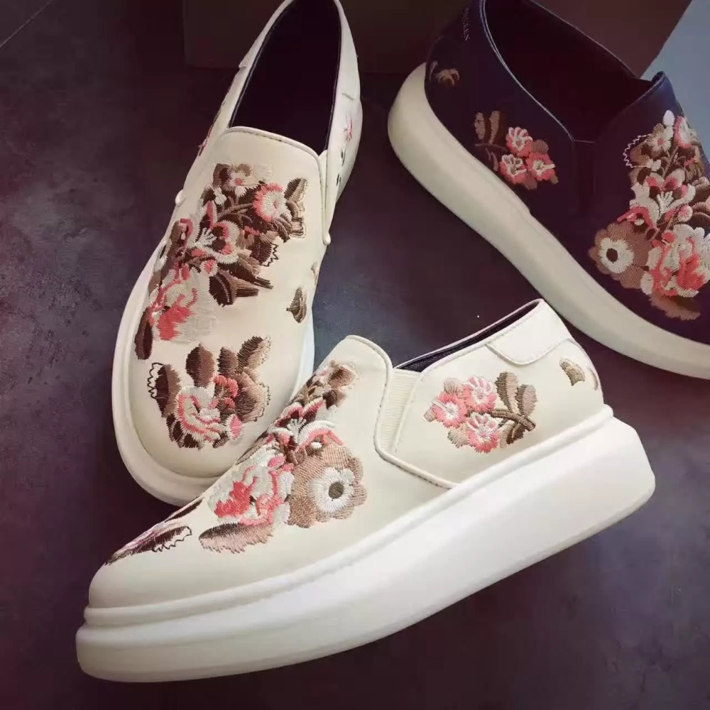 Fashion New hot Women Loafers Flower Embroidery Slip Platform Genuine Leather Stylish Luxury Famous Brand Casual Outdoor Shoes new fashion diamond embroidery genuine