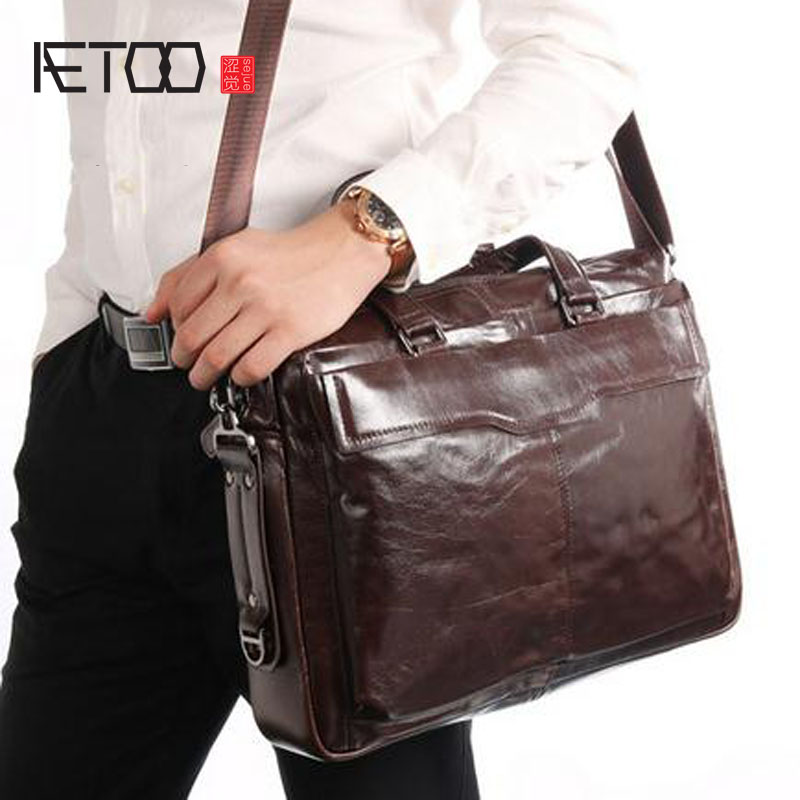 AETOO  The new men's handbag of the first layer of oil wax leather shoulder Messenger bag leather briefcase male package leather handbag shoulder bag casual first layer of leather men s oil wax messenger bag korean man bag tide