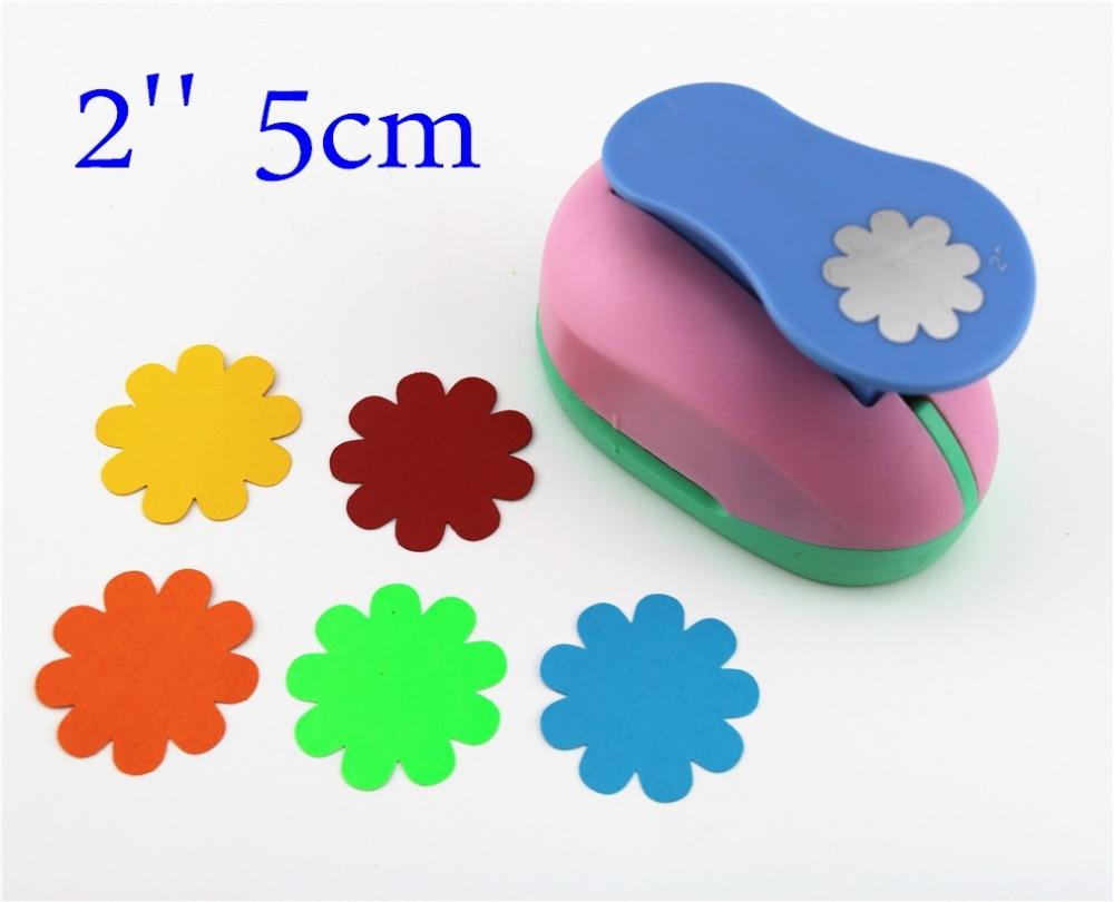 купить flower 47mm 2'' craft punch paper cutter scrapbook Embossing device kid child craft tool hole punches S2935-1 по цене 780.61 рублей
