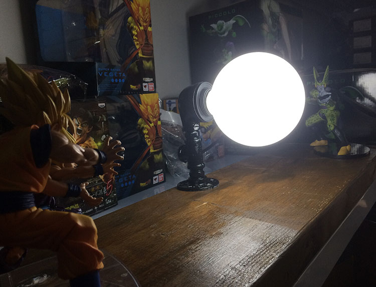 KNL HOBBY Dragon Ball LED desk lamp explosion models hand the wave Shahrukh led Eye Spot shipping creative birthday gift knl hobby voyager model pe35418 m1a1 tusk1 ubilan