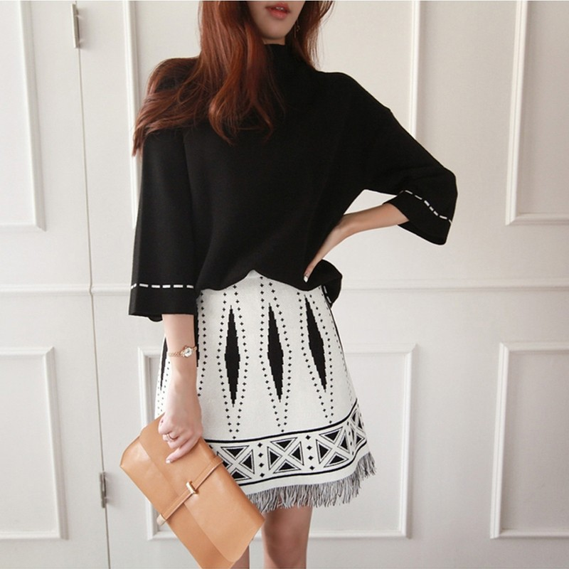 2019 New Autumn winter Women TURTLENECK Tassel Tops +A-Line Skirt Knit 2 Piece Set Ladies Autumn Casual Blouses Knitted Suit
