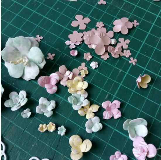 Little Flowers Metal Cutting Die Scrapbook Craft Dies 3D Stamp DIY Scrapbooking & Stamping Card Making Photo Album Frame Decor
