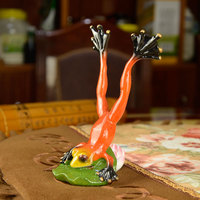 2pcs Lo TWedding Gifts Home Design Creative European Red Resin Frog Interesting Novelty Gifts Couple Figurine