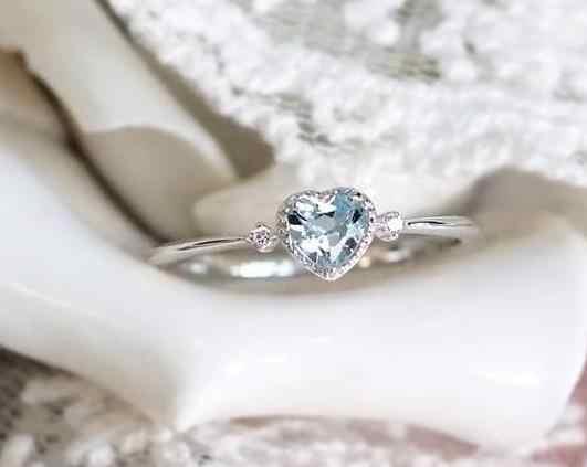 Новая популярная с кристаллами циркониевое кольцо Заводские европейские и американские модные ювелирные изделия простые кольца с кристаллами сердца для женщин кольца