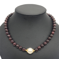 Vintage Classic Natural Stone Jewelry Noble Deep Brown 8mm Garnet Beaded Chain Choker Necklace With Shell