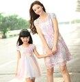Мать дочь платья новый летний семья цветочным кружевом платья мумия дочь девушка дети девочки ну вечеринку платье
